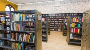 Biblioteka na wrocławskim dworcu