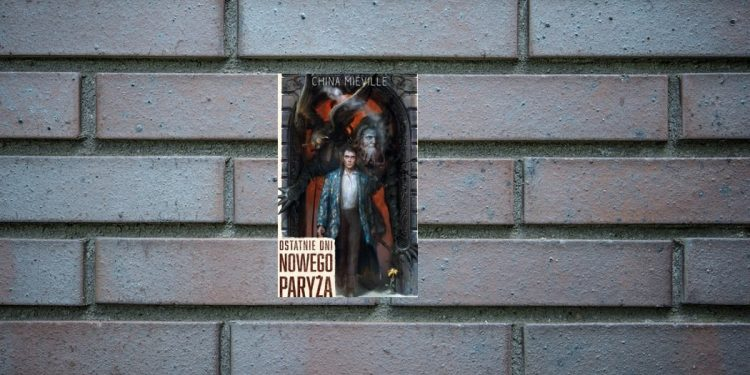 Ostatnie dni Nowego Paryża - kup na TaniaKsiazka.pl