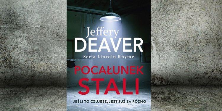 Pocałunek stali - sprawdź na TaniaKsiazka.pl