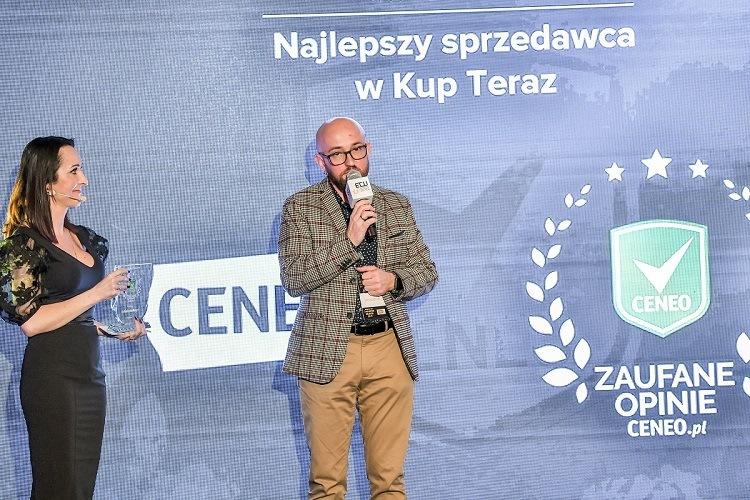 Księgarnia TaniaKsiazka.pl 2 pierwsze miejsca w rankingu Ceneo