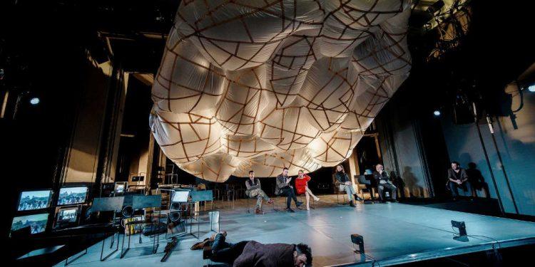 Serotonina Houellebecqa w teatrze