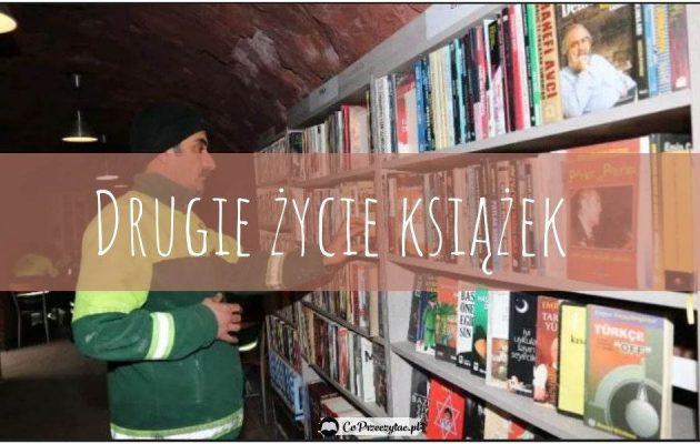 Biblioteka z wyrzuconych książek